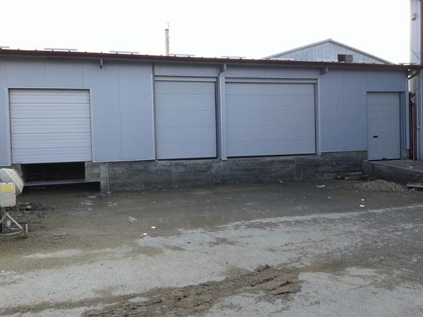 Garažna i industrijska segmentna vrata